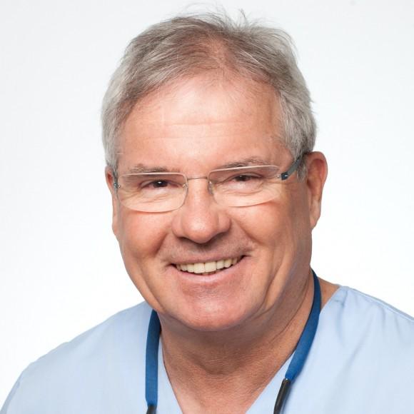 Dr. Ewald Aichinger